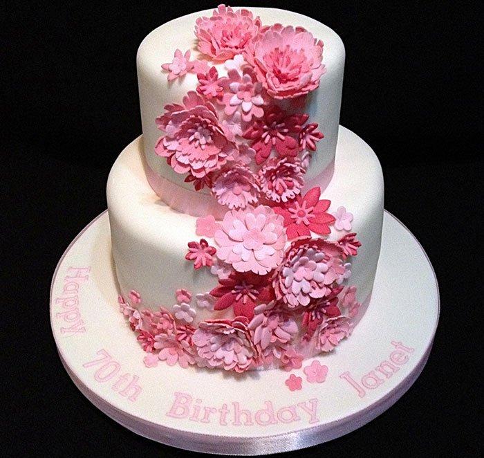 gâteau d'anniversaire de fleurs